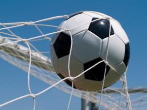 022mc_FootballToBeHappyYouNeedAGoal1
